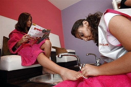 Beauty Salon for Little Girls